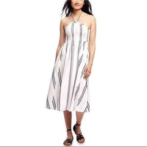 🆕 Old Navy White Boho Halter Smocking Sun Dress